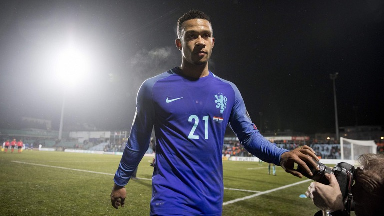 BREAKING!! Barcelona Complete Signing Of Memphis Depay